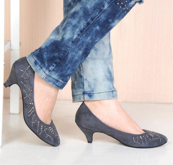 обувь на низком каблуке?