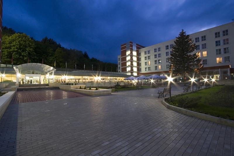 «Плаза» - черытехзвездочный санаторий в Кисловодске