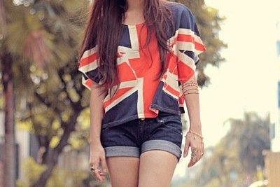 Модные женские футболки